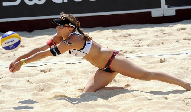 Nadine Zumkehr, jugadora suiza de voley playa.