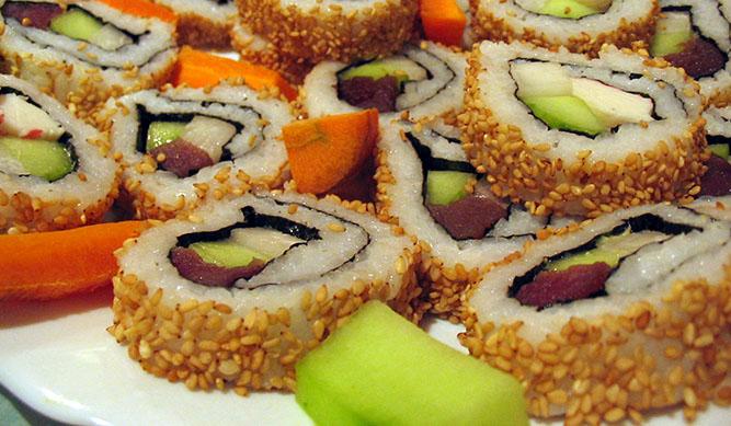 Sushi y pasta italiana en familia